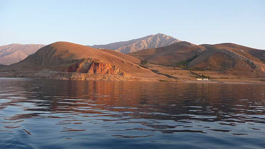 lake van 2 512 - Polling 4 Cyber Shots Competition OCT 2010